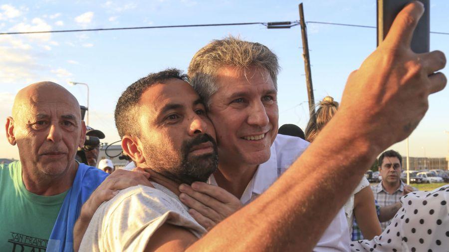 Amado Boudou fue recibido por la prensa, militantes camporistas
