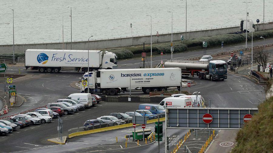 Simulacro de embotellamiento en el Reino Unido. Foto: AP.