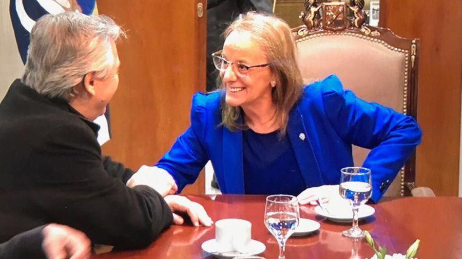 Alberto Fernández y Alicia Kirchner. Crédito: Gentileza Gobierno de Santa Cruz