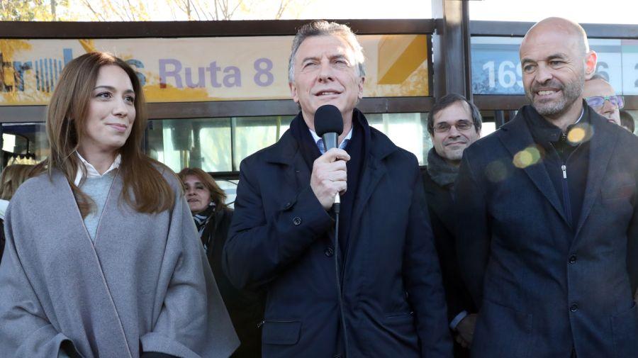 María Eugenia Vidal, Mauricio Macri y Guillermo Dietrich en la inauguración del Metrobus. Foto: Gentileza Presidencia de la Nación
