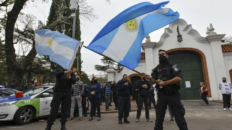 La protesta de la Bonaerense llegó hasta la Quinta de Olivos.