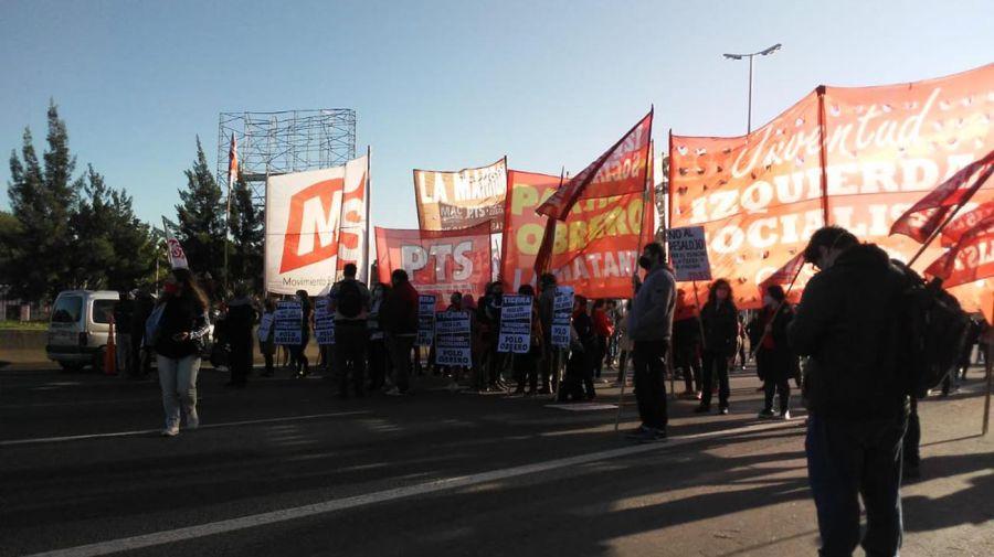 Protesta contra la toma en Guernica. Foto: Prensa Obrera.