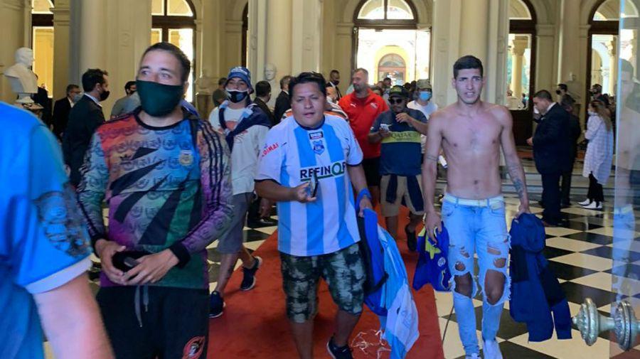 Velatorio de Diego Maradona. Hubo incidentes dentro y fuera de Casa Rosada.