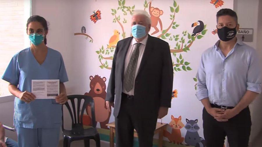 Ginés González García dialogó con el personal de salud vacunado.