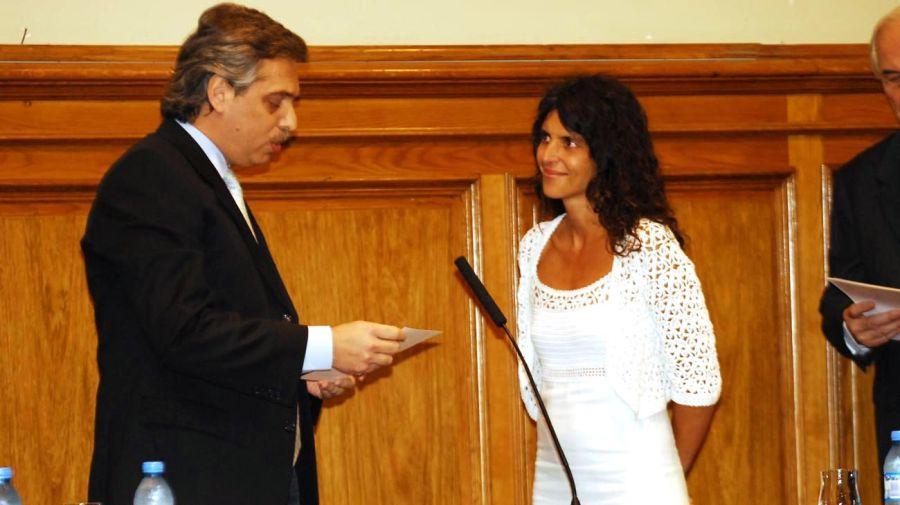Romina Picolotti jurando como funcionaria