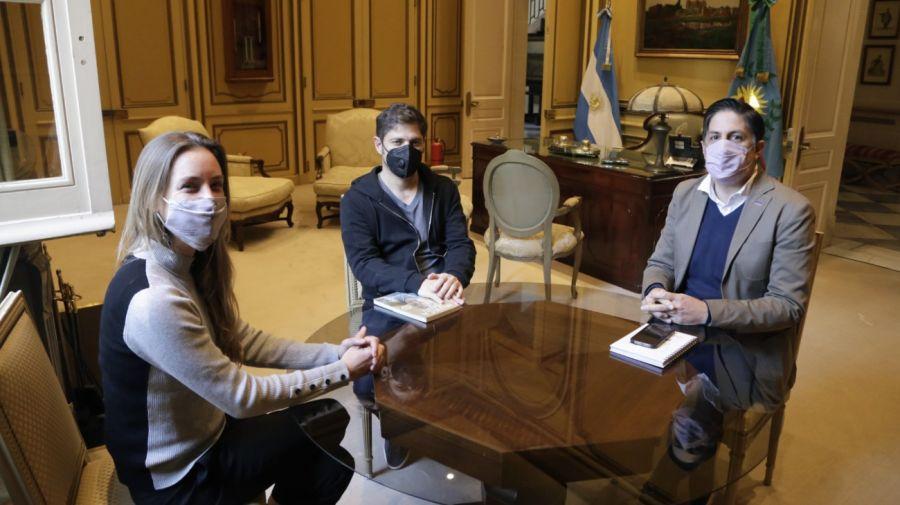 Encuentro entre el gobernador de Buenos Aires, Axel Kicillof, el ministro de educación de la nación, Nicolás Trotta, y la titular de educación bonaerense, Agustina Vila