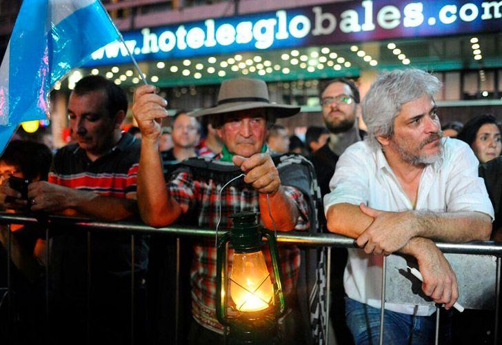 marcha-velas-contra-tarifazo-04192018-11