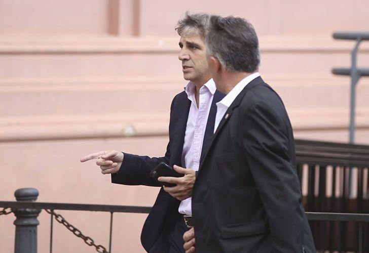 Luis Caputo, ingresa a Casa de Gobierno
