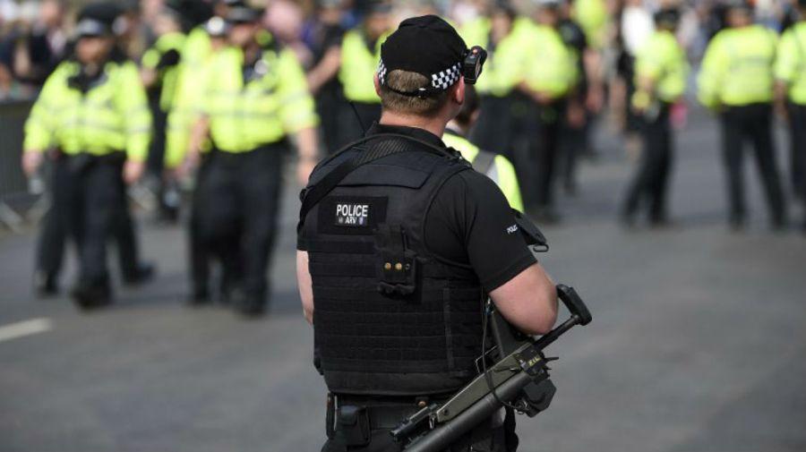 Todos los sistemas de seguridad ingleses han sido puestos en alerta máxima.