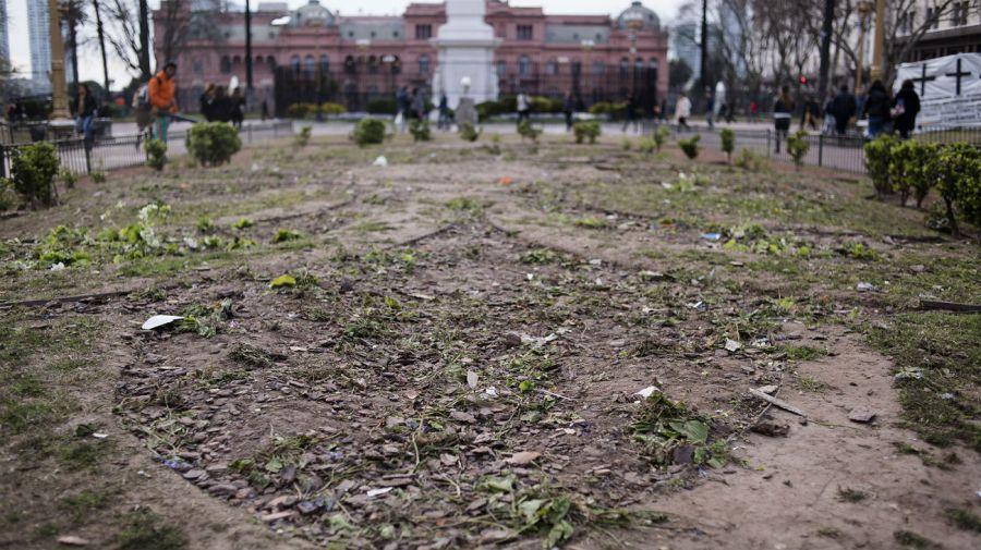 destrozos plaza de mayo
