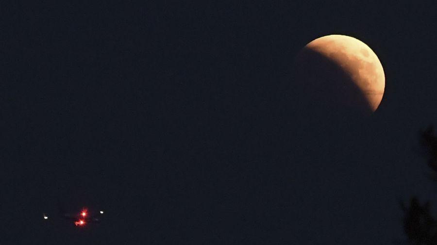 Eclipse-Lunar-Italia