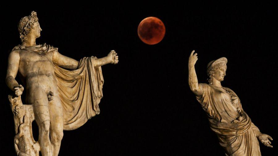 El eclipse de luna de sangre en Grecia.