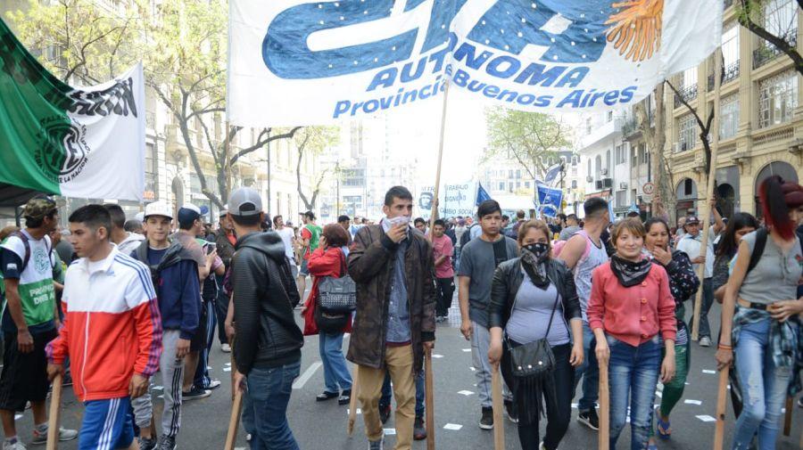 La manifestación llega a Av de Mayo y 9 de Julio 09242018
