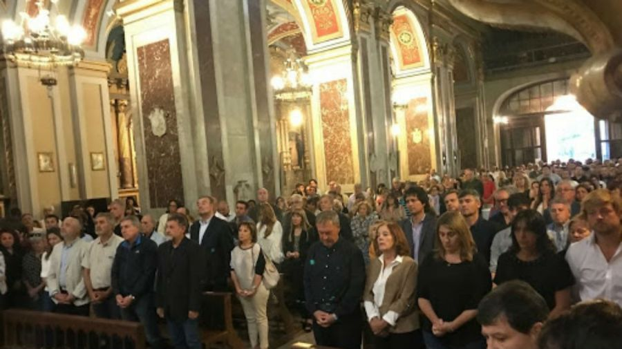 En Córdoba, realizaron una misa por el mes del fallecimiento de José Manuel De la Sota.