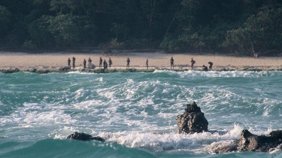 tribu salvaje isla sentinel norte