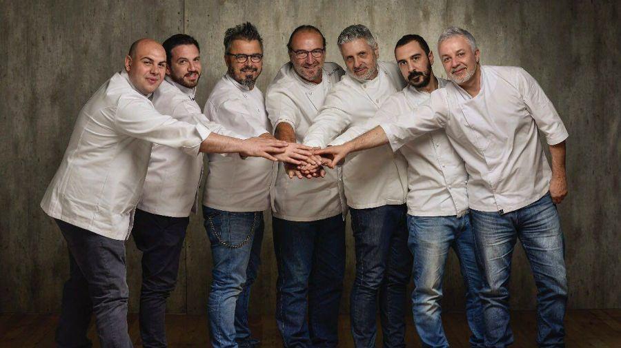 Chefs italianos: Paolo Spertino, Alberto Giordano, Donato de Santis, Mauro Crivellin, Maurizio de Rosa, Federico Scoppa, Roberto Ottini.