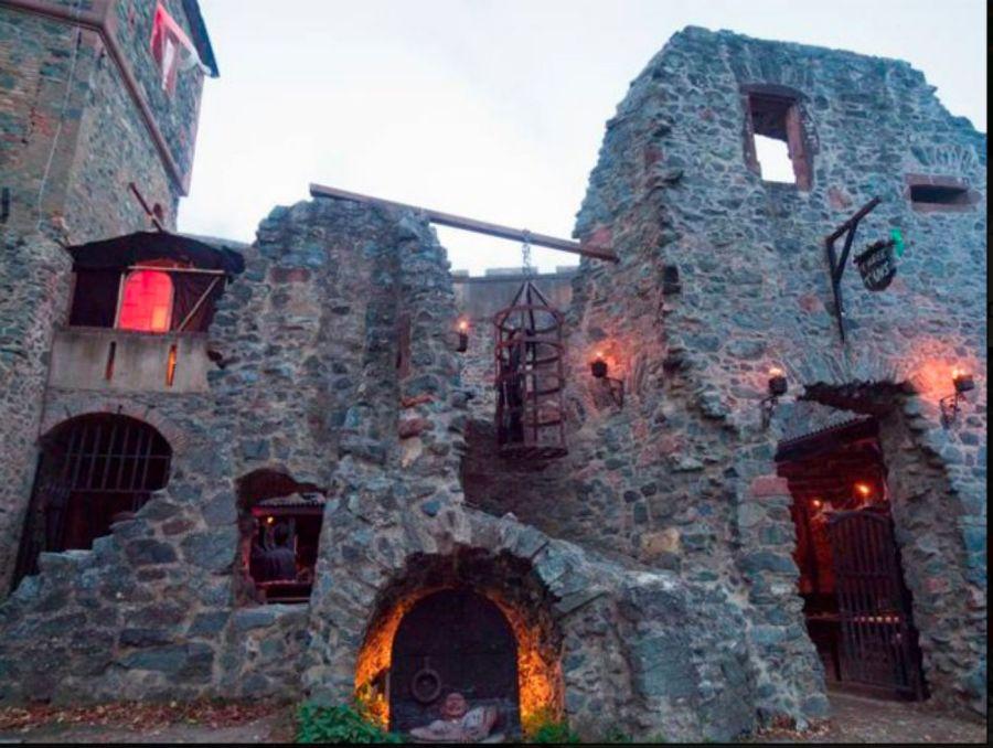 1128_Un paseo por el mítico castillo de Frankenstein