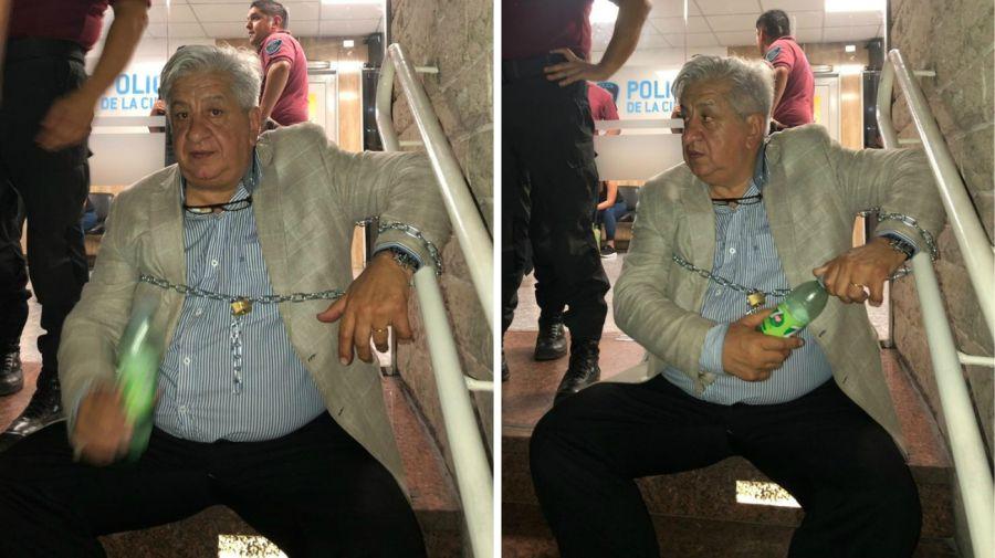 Julio Piumato, encadenado en la Comisaría