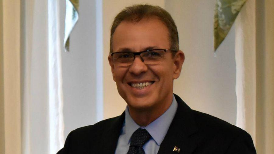 El almirante Bento Alburquerque, ministro de Energía de Brasil.