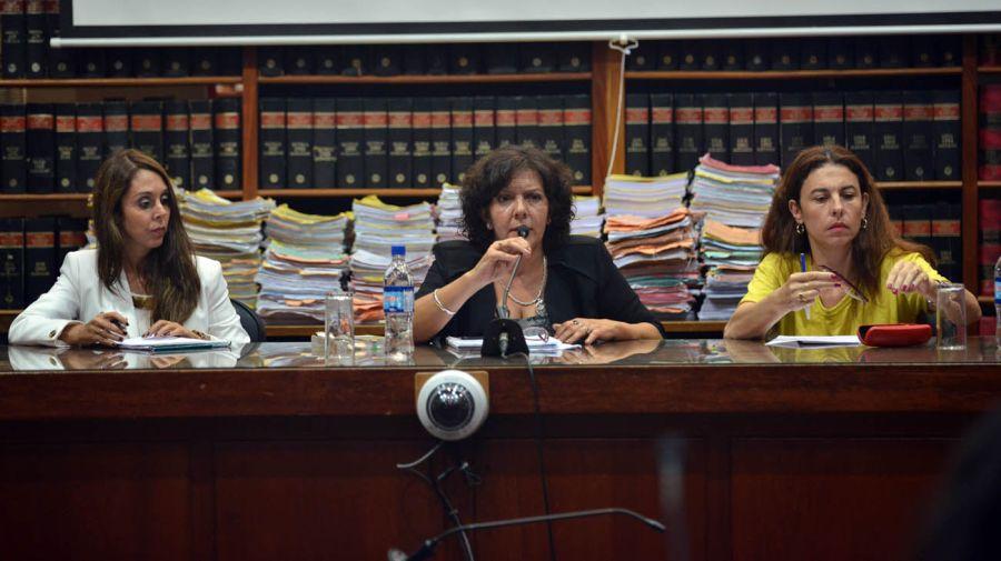 Las juezas Alejandra Tolaba, Claudia Cecilia Sadir y Ana Carolina Pérez Rojas.
