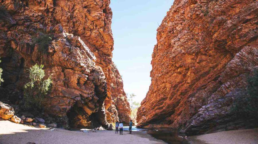 Durante el viaje se pueden visitar algunos de los sitios naturales más hermosos del país.