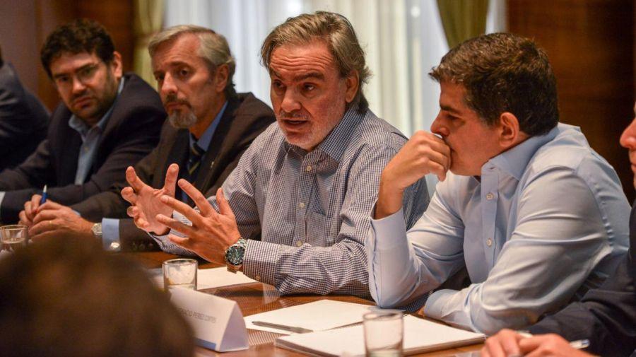 El secretario de Energía, Gustavo Lopetegui se reunió con representantes de petroleras.