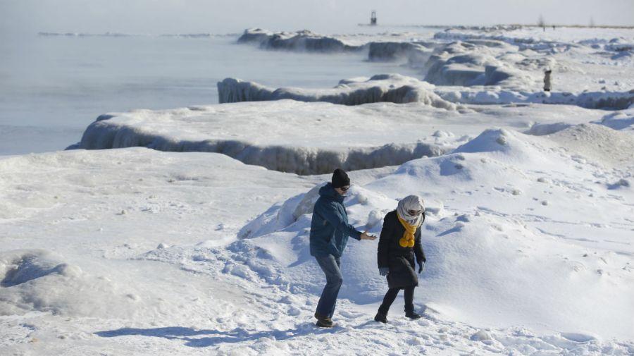 La costa del lago Michigan cuando las temperaturas bajaron a-29 ° C.