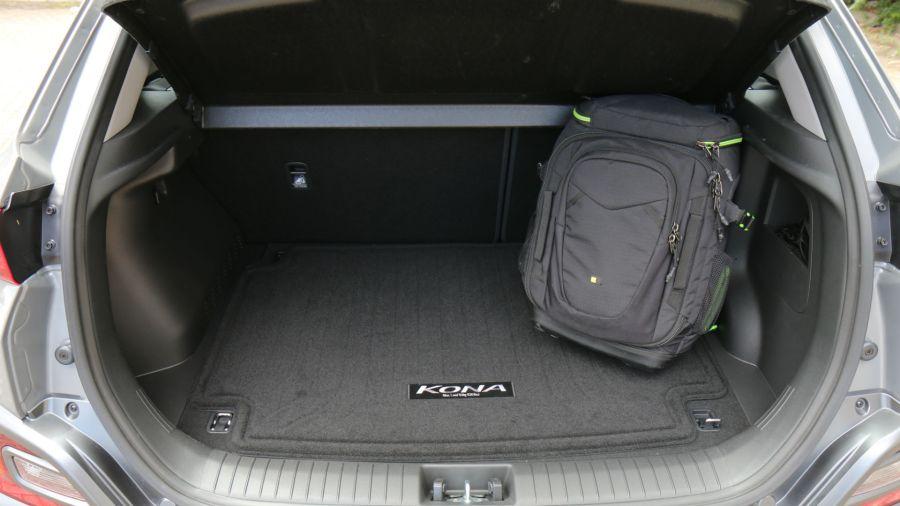 El baúl ofrece 361 dm3 de capacidad de carga.