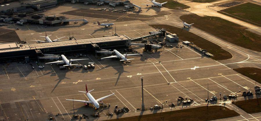 LARGE LEDE Heathrow Airport LARGE LEDE