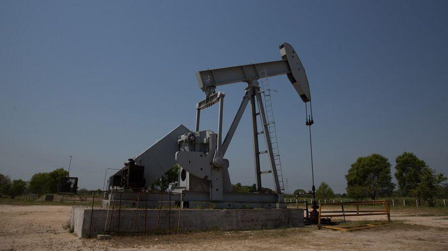 Una de las actividades que más cayó fue el proceso del petróleo.
