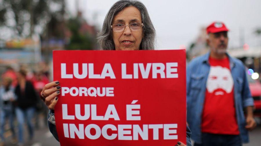 Manifestaciones en apoyo a Lula Da Silva cuando se cumple un año de su detención.