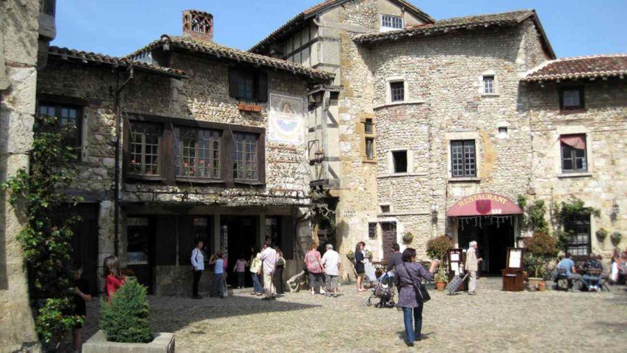 0408 Francia pueblos