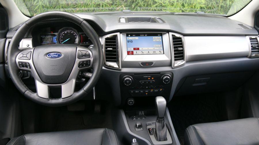 Ford Ranger Limited Black Edition vs Toyota Hilux GR Sport