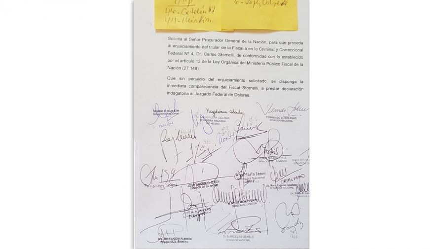 Firmas-contra-Stornelli-19042019