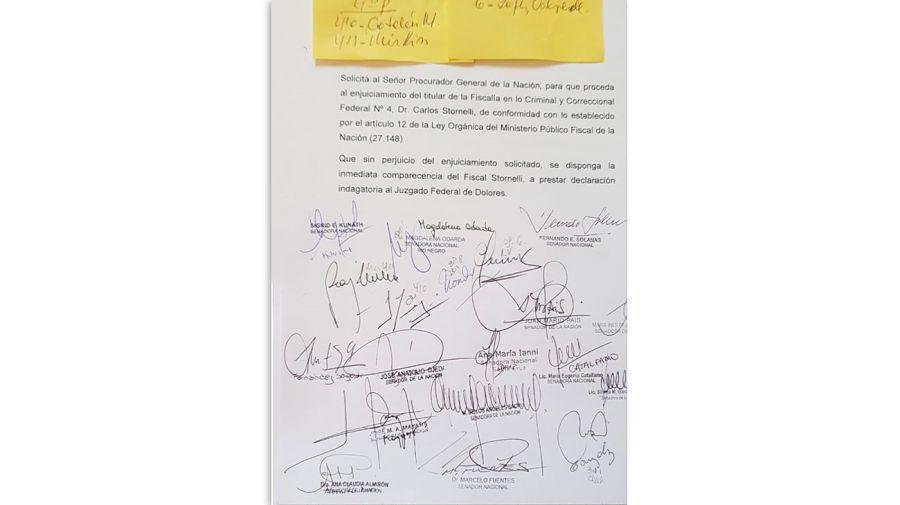 Firmas-contra-Stornelli-19042019