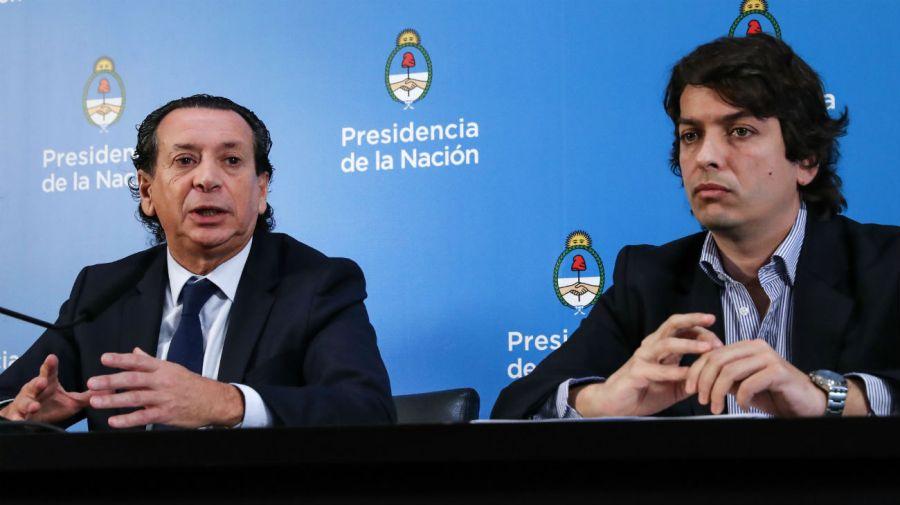 El ministro de Producción y Trabajo, Dante Sica, y el secretario de Comercio Interior, Ignacio Werner, en conferencia de prensa.