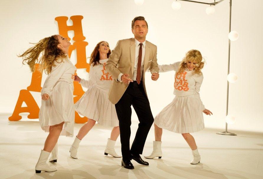 Di Caprio en Brad Pitt en una escena de Once upon a time...in Hollywood