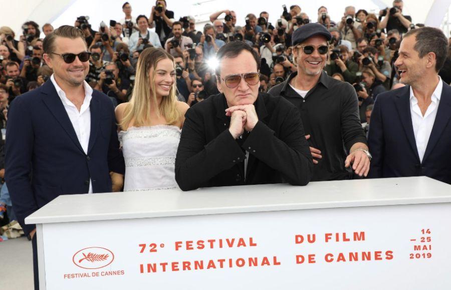 Leonardo DiCaprio, Margot Robbie, Quentin Tarantino, Brad Pitt y el productor David Heyman, en el Festival de Cine de Cannes 2019