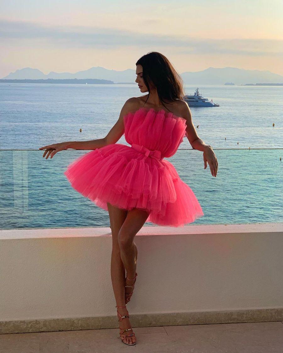 Kendall Jenner revolucionó Cannes con su vestido Low Cost.