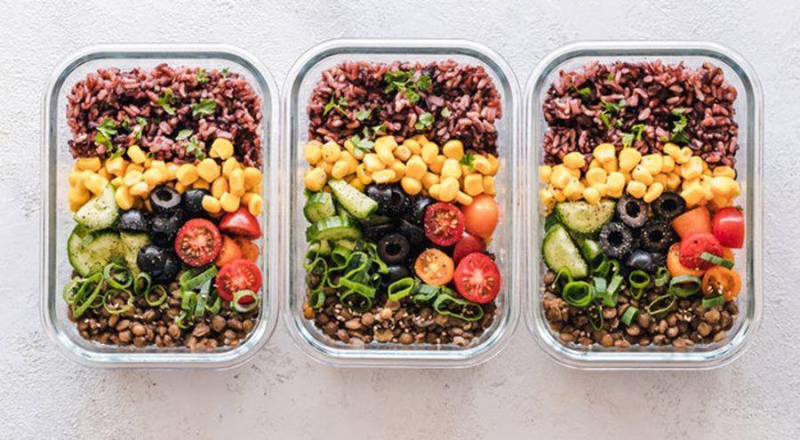 Mantener una alimentación saludable fuera de casa es posible