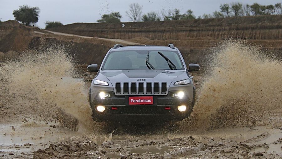 Jeep Cherokee Trailhawk -Toyota SW4 SRX