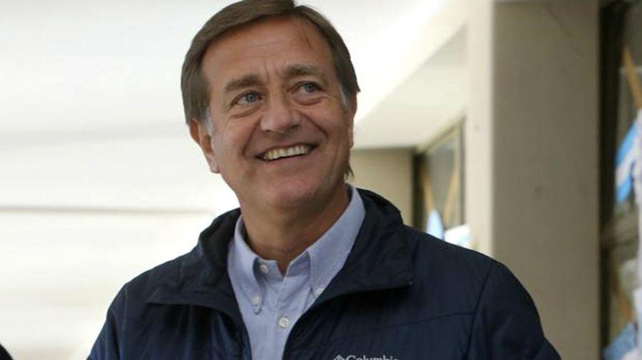 Rodolfo Suárez, al votar en Mendoza.
