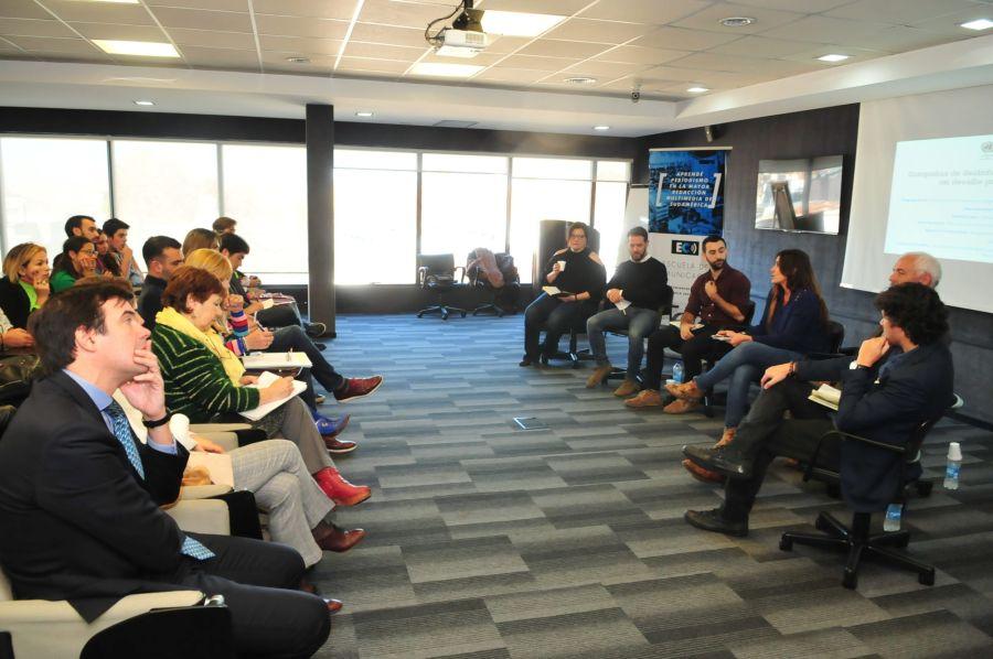 Conferencia ONU Escuela Comunicacion Perfil
