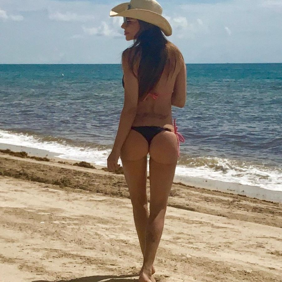 Zulemita Memen súper diosa en la playa
