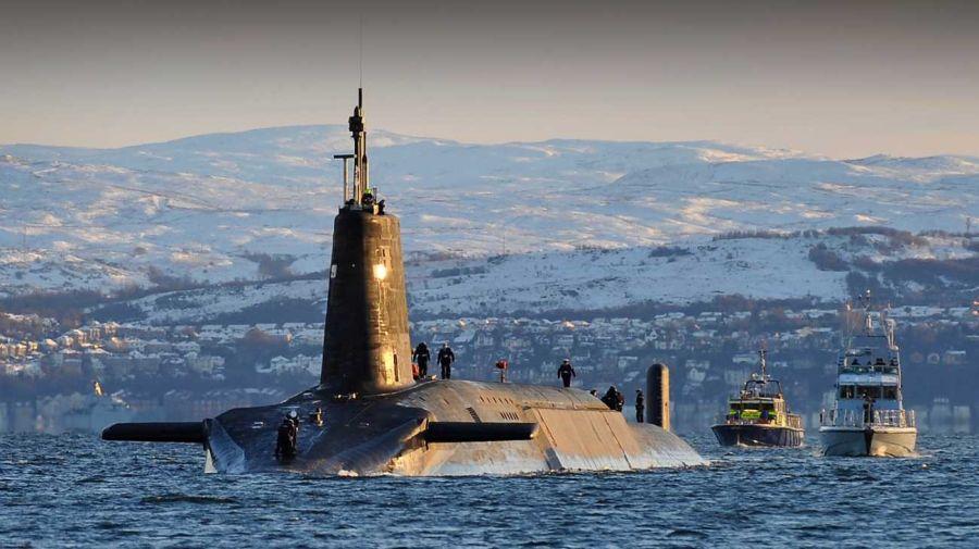0619 dos submarinos nucleares chocaron en el océano Atlántico
