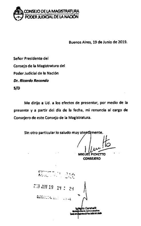 Renuncia de Pichetto como consejero de la magistratura.
