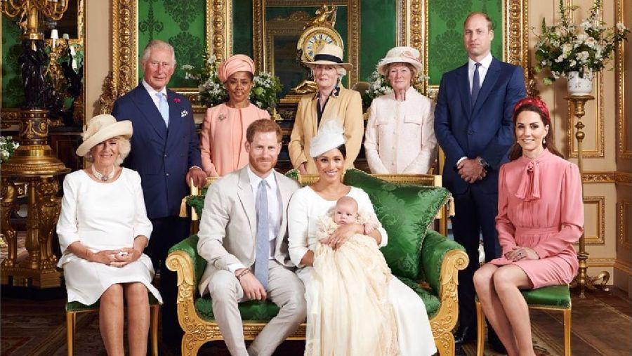 Una ausencia en el bautismo del hijo de Meghan y Harry abre la grita en la familia real