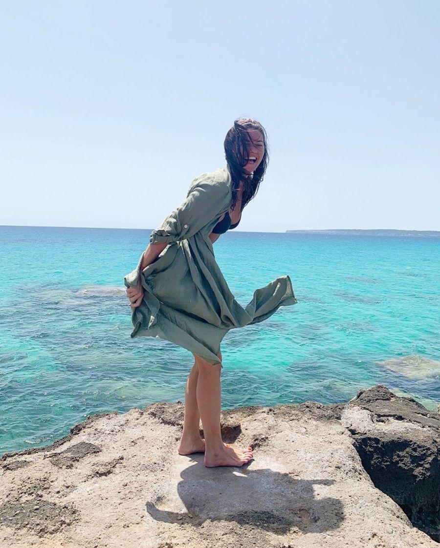 Para Del Potro: las fotos hot de Jujuy Jiménez en Formentera
