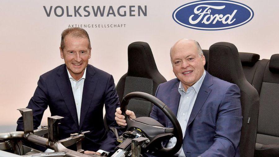 Herbert Diess y Jim Hackett (CEO de Volkswagen y CEO de Ford)