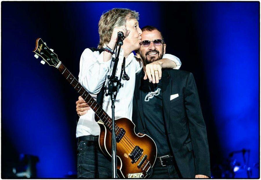 Ringo Starr y Paul McCartney se volvieron a juntar arriba de un escenario.